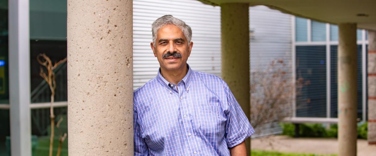 Portrait of Dr. Medhat Moussa
