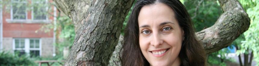 Headshot of Paula Barata