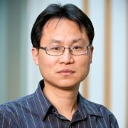 Portrait of Dr. Xiaodong Lin