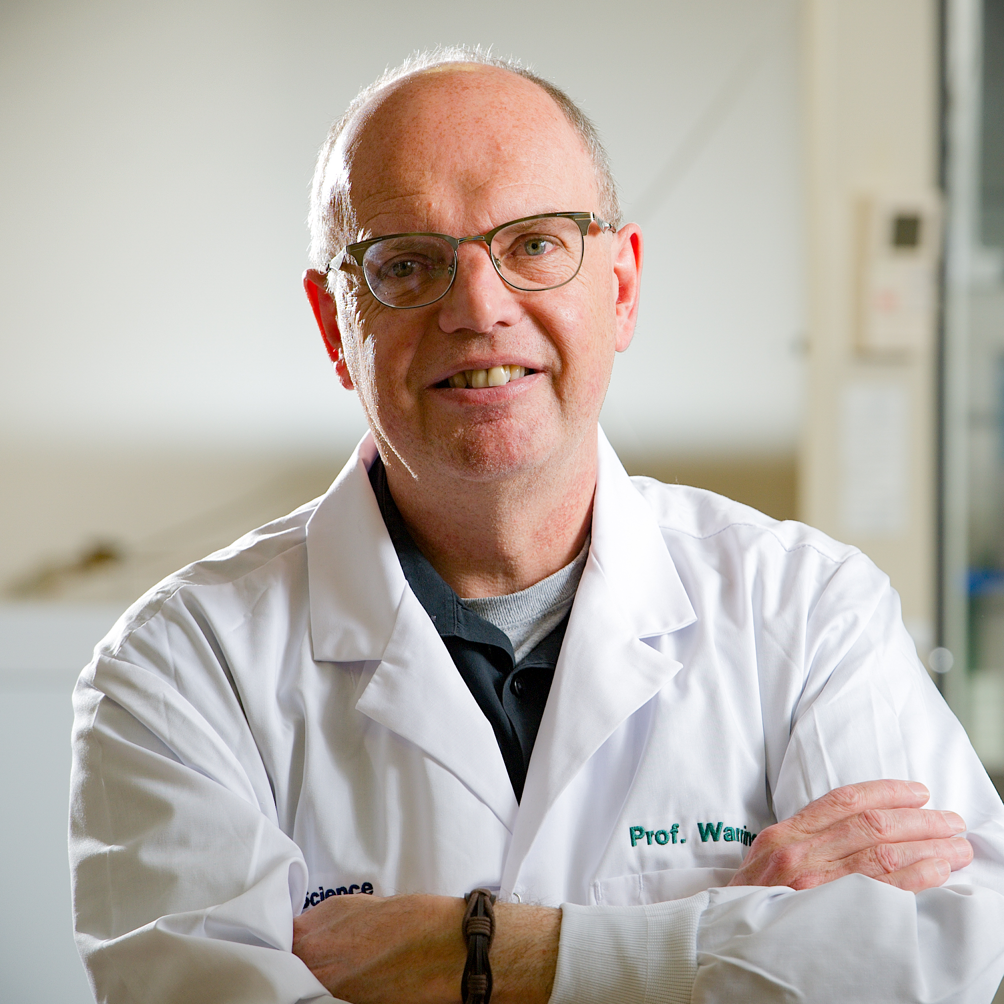 Portrait in the lab of professor Keith Warriner