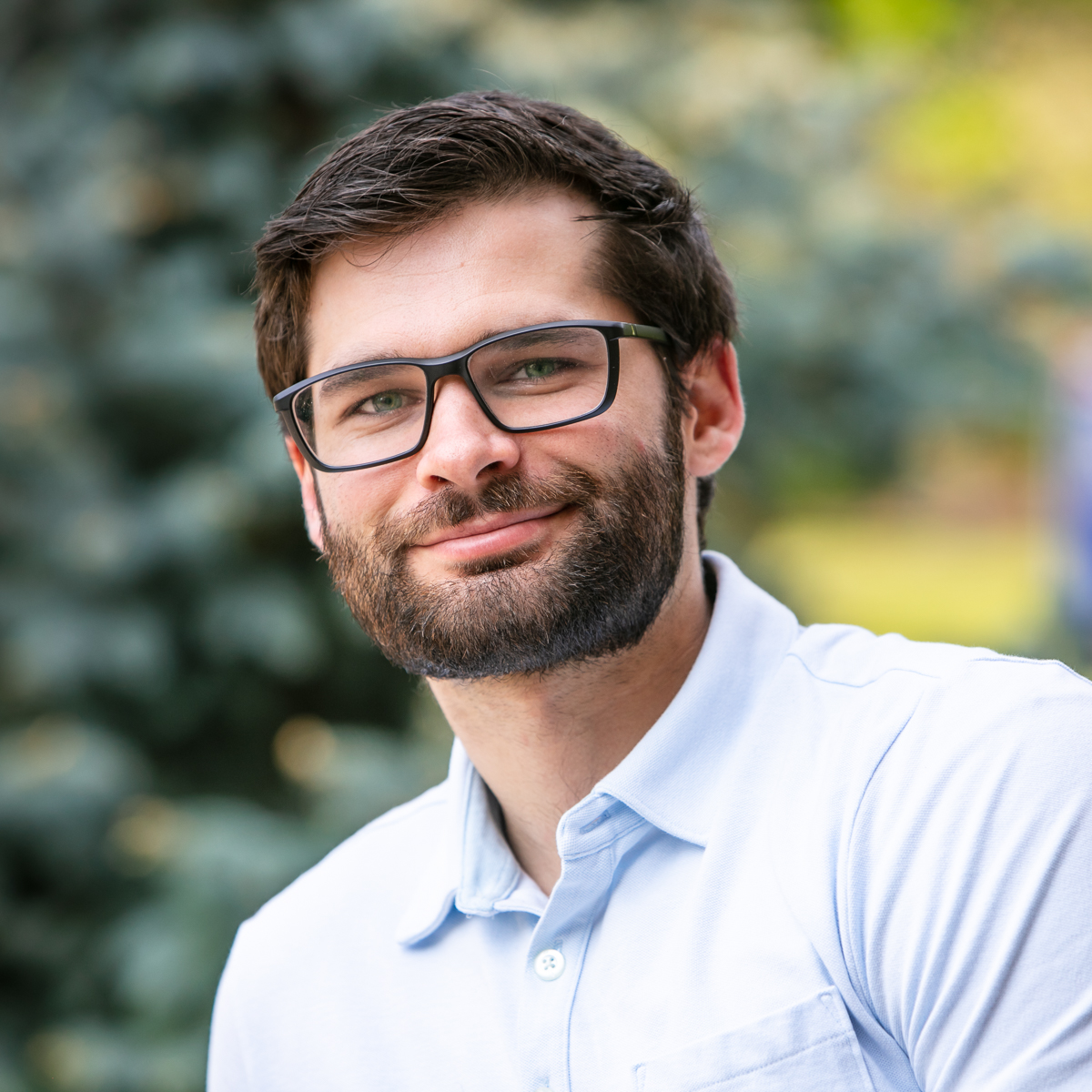 Portrait of MBIOT Biotechnology at U of Guelph grad student Nathaniel Hoffman
