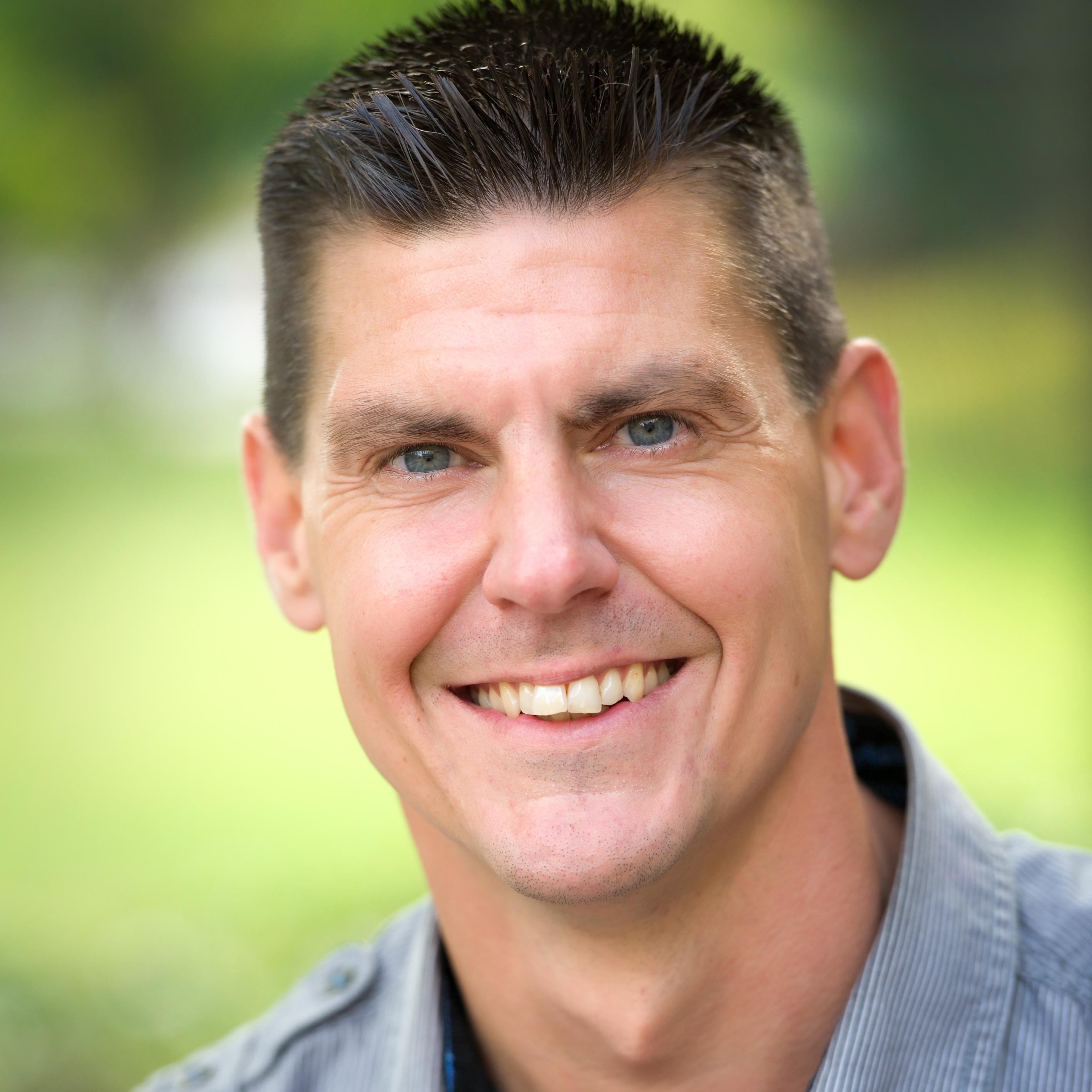 Portrait of professor Trevor J. DeVries