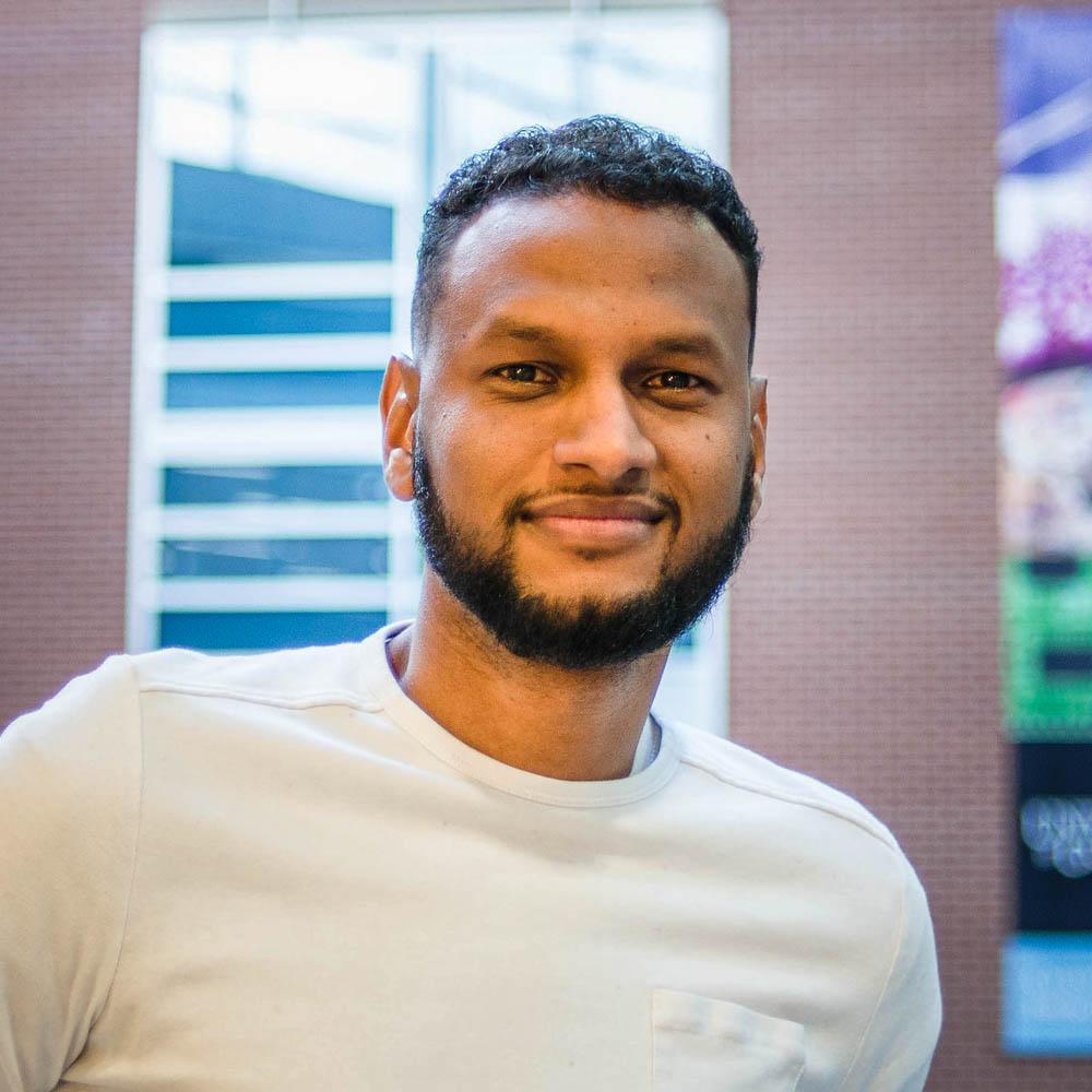 Portrait of graduate student Abdalla Albeely