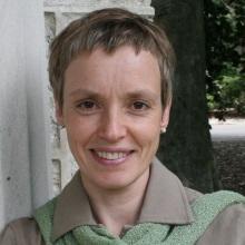 Dr. Sandra Parmegiani
